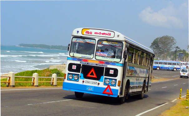 スリランカ 地球バス sri lanka bus